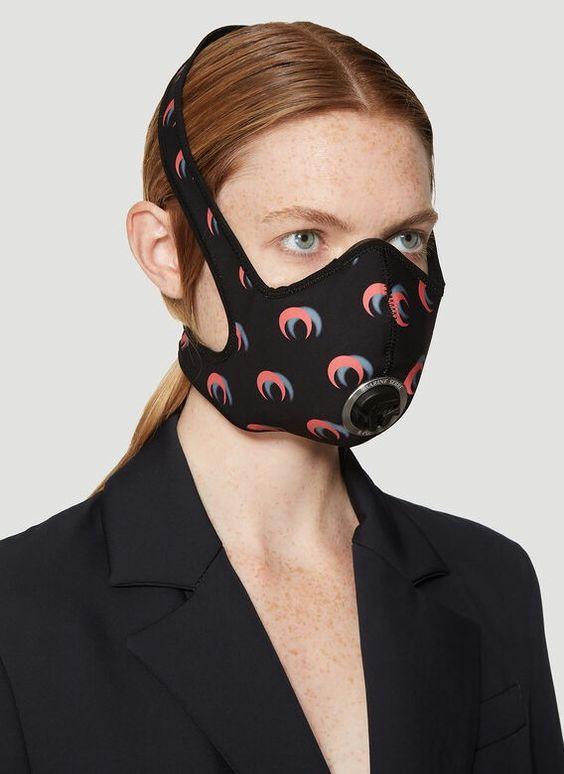 As máscaras tornaram-se um produto da moda nessa a pandemia